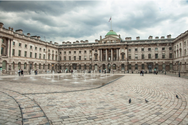 https://whereandwhenlondon.com/wp-content/uploads/2020/07/Somerset-House-credit-Shutterstock-web.jpg