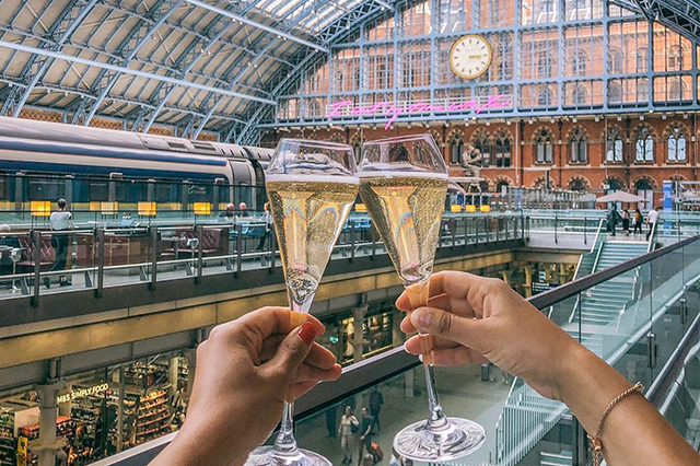 https://whereandwhenlondon.com/wp-content/uploads/2020/08/Champagne1.png