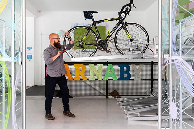 https://whereandwhenlondon.com/wp-content/uploads/2020/09/Carnaby-Street-bike-hub-web.jpg