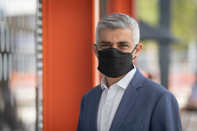 https://whereandwhenlondon.com/wp-content/uploads/2020/09/Sadiq-Khan-in-a-face-mask-web.jpg